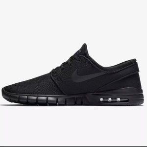Nike air all black Stefan janoski sneakers